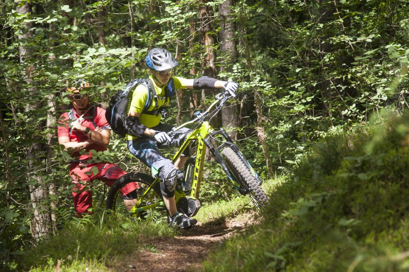 E-Mountainbike Fahrtechnikcamp bei Stefan Schlie – Reportage