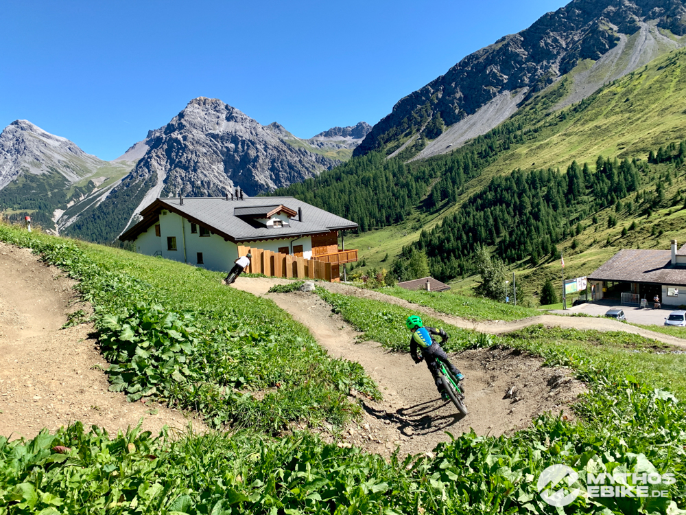 MTB Skill Center Arosa Kurven