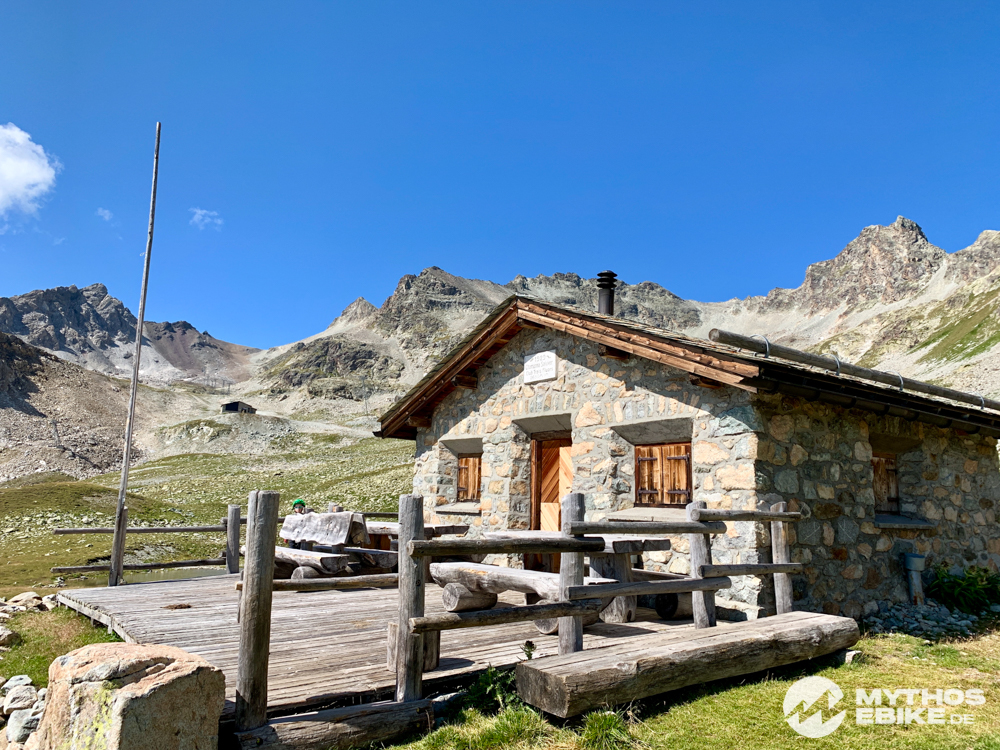 Chamana Saluver Berg Hütte