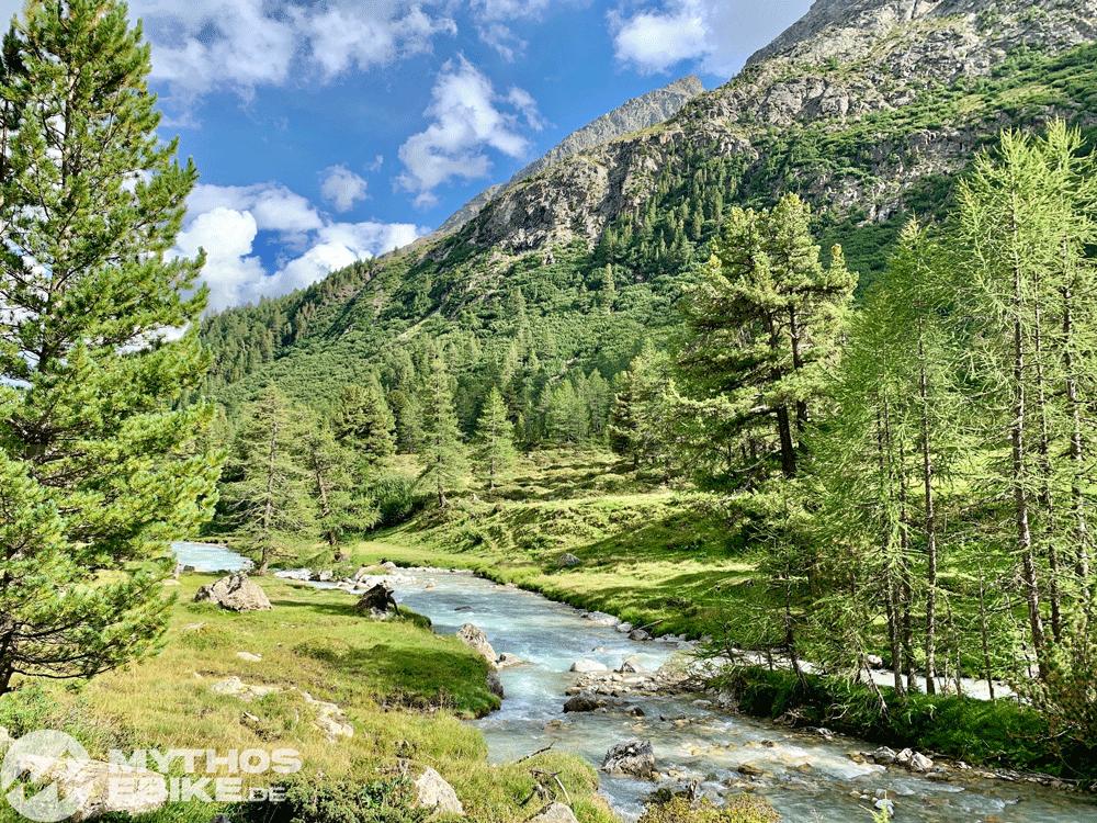 Val Bever Fluss