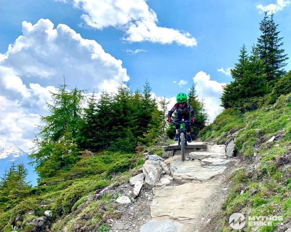 Mountainbike Kind auf dem Trail Top Fopps im Bikekingdom Lenzerheide